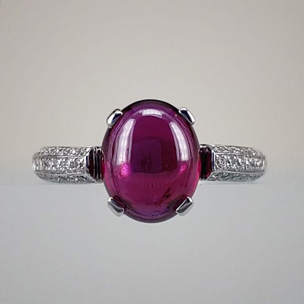 Oval-Cut Rhodolite Garnet w Round Brilliant Diamonds