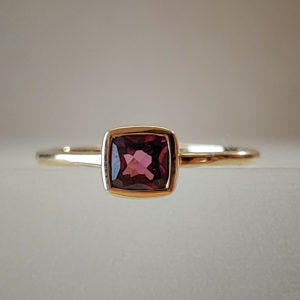 5mm Garnet Bar-Set Solitaire Round Garnet Bypass Ring